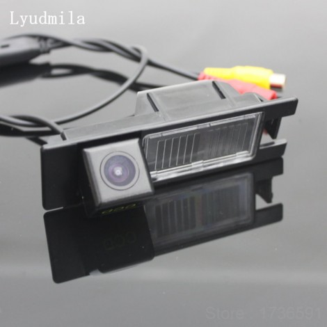FOR Alfa Romeo Giulietta 940 2010~2015 Reverse Camera / Car Back up Parking Camera / Rear View Camera CCD Night Vision